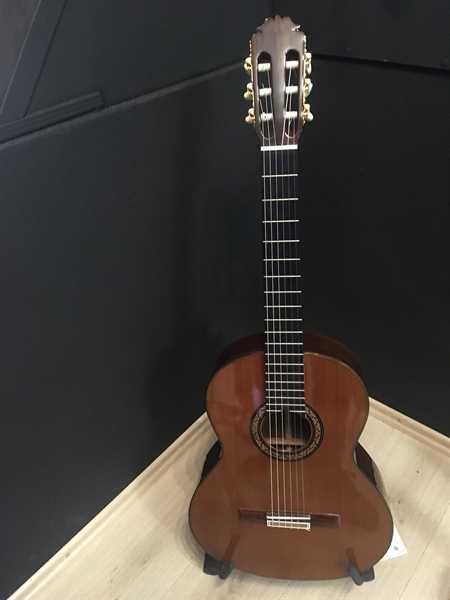 Burguet Mod 3 TA C-DYN SR Konzertgitarre