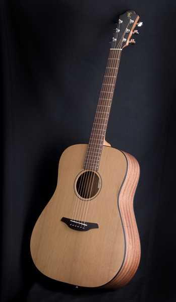 Furch D-40 CM Left Linkshänder Westerngitarre Ausstellungsstück