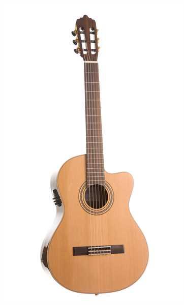 La Mancha Rubi C-CWE Konzertgitarre 4/4 Zeder massiv mit Pickup