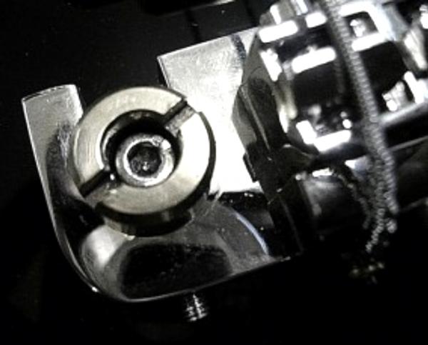 Kluson HW08C Tailpiece Lock-Studs Paar