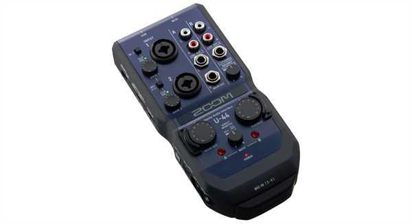 Zoom U44 Audio-Interface